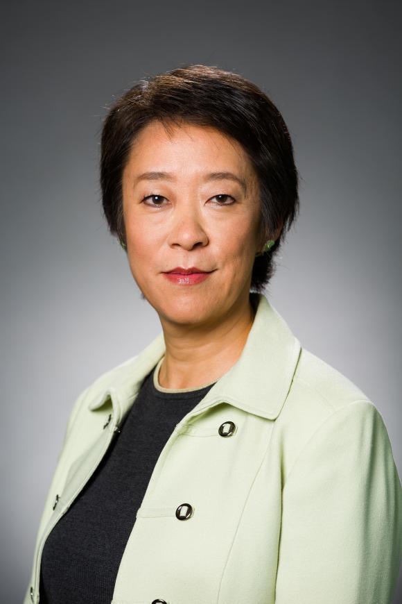 Hui Chen's headshot.